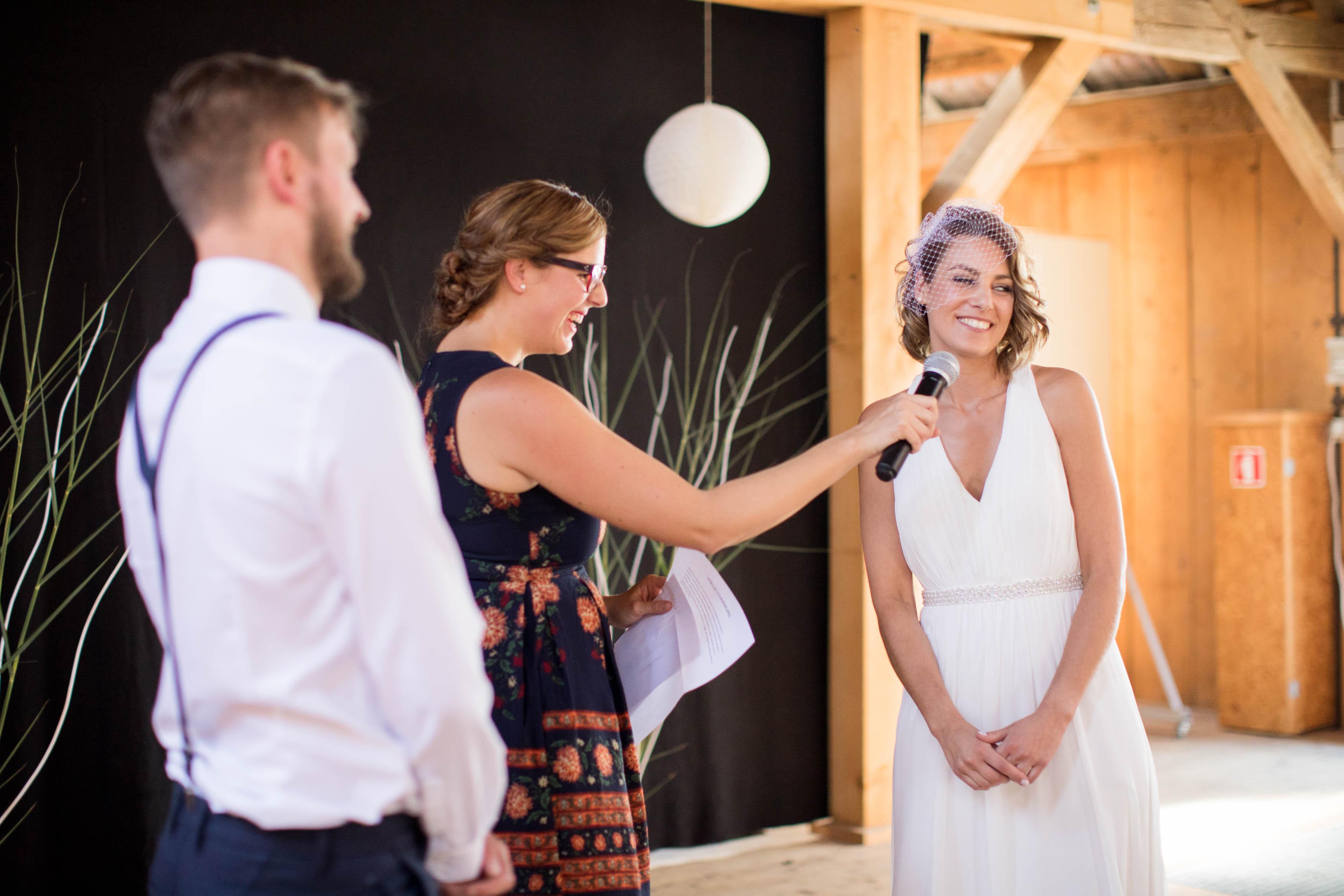 cérémonie laïque, mariage laic, cérémonie grange, mariage gruyère