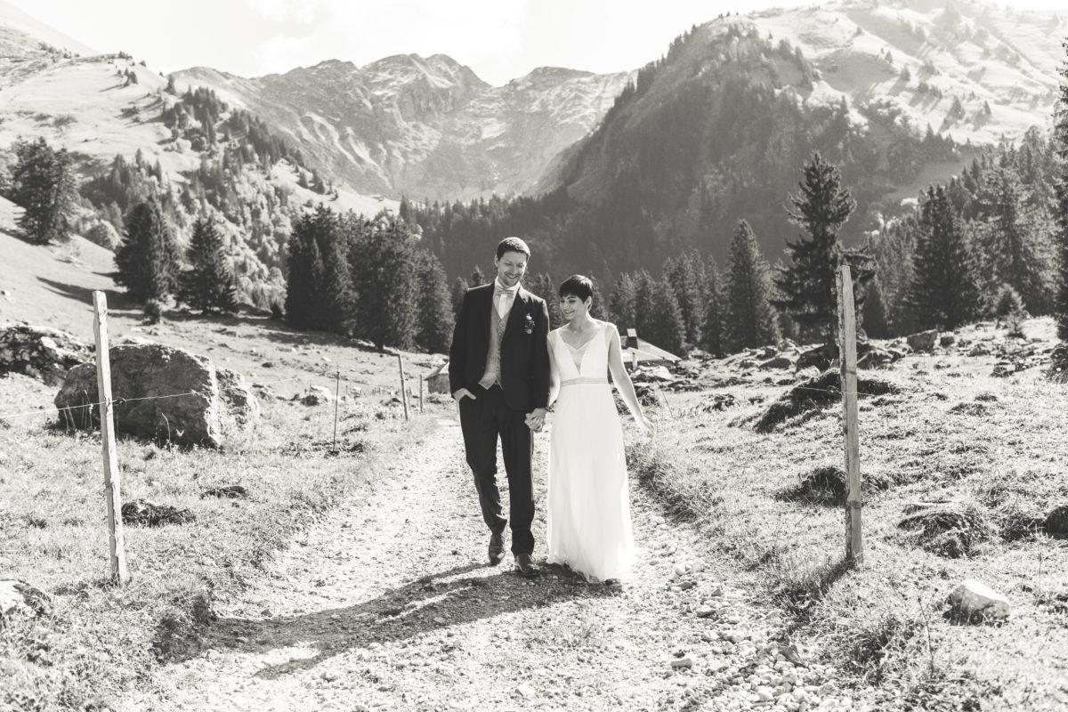 Mariés en gruyère, mariage montagne, mariage nature, mariage gruyère