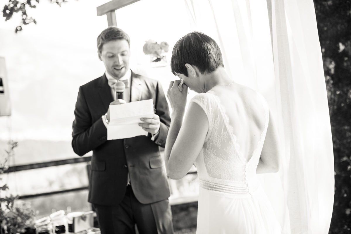 Echange des voeux, cérémonie laique, cérémonie en gruyère, mariage fribourg, bleu je te veux