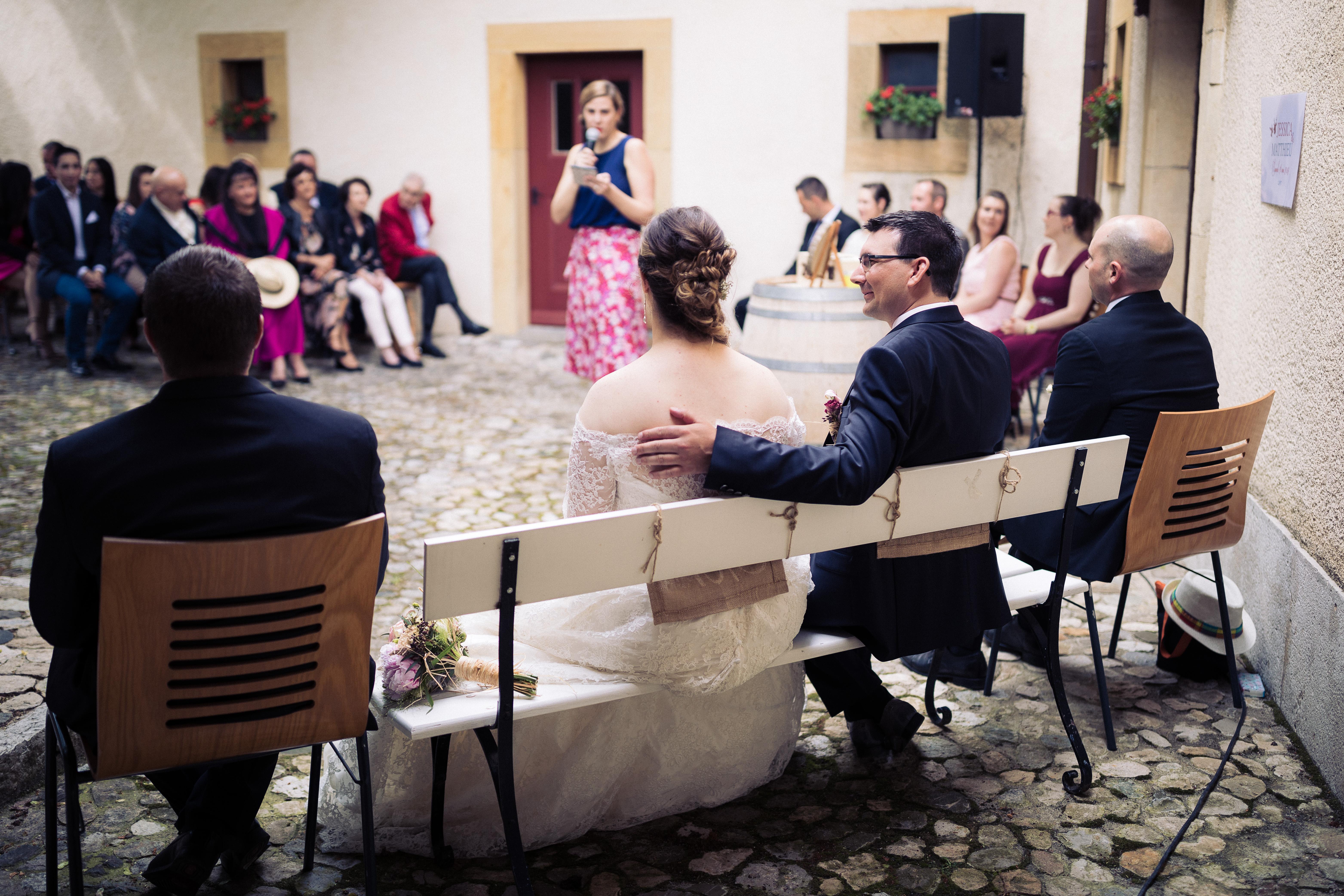 Lieux cérémonie laique, cérémonie Bevaix, mariage neuchâtel, mariage suisse, bleu je te veux, tania kohler, célébrante, officiante