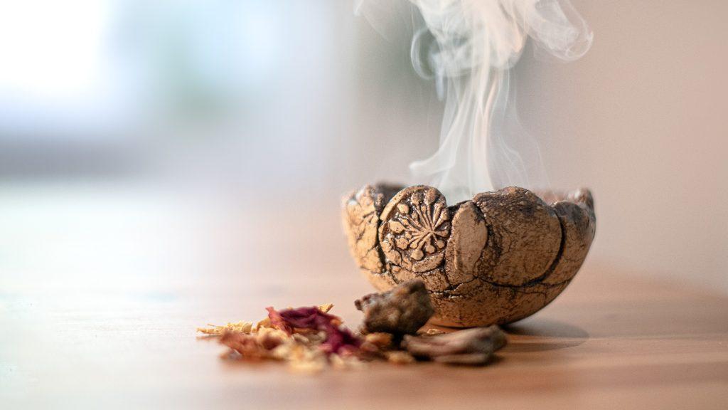 Spiritualité, rituels, rites, célébrations, célébrer la vie, connexion avec soi, amour de soi, quête de sens, donner du sens, cérémonie