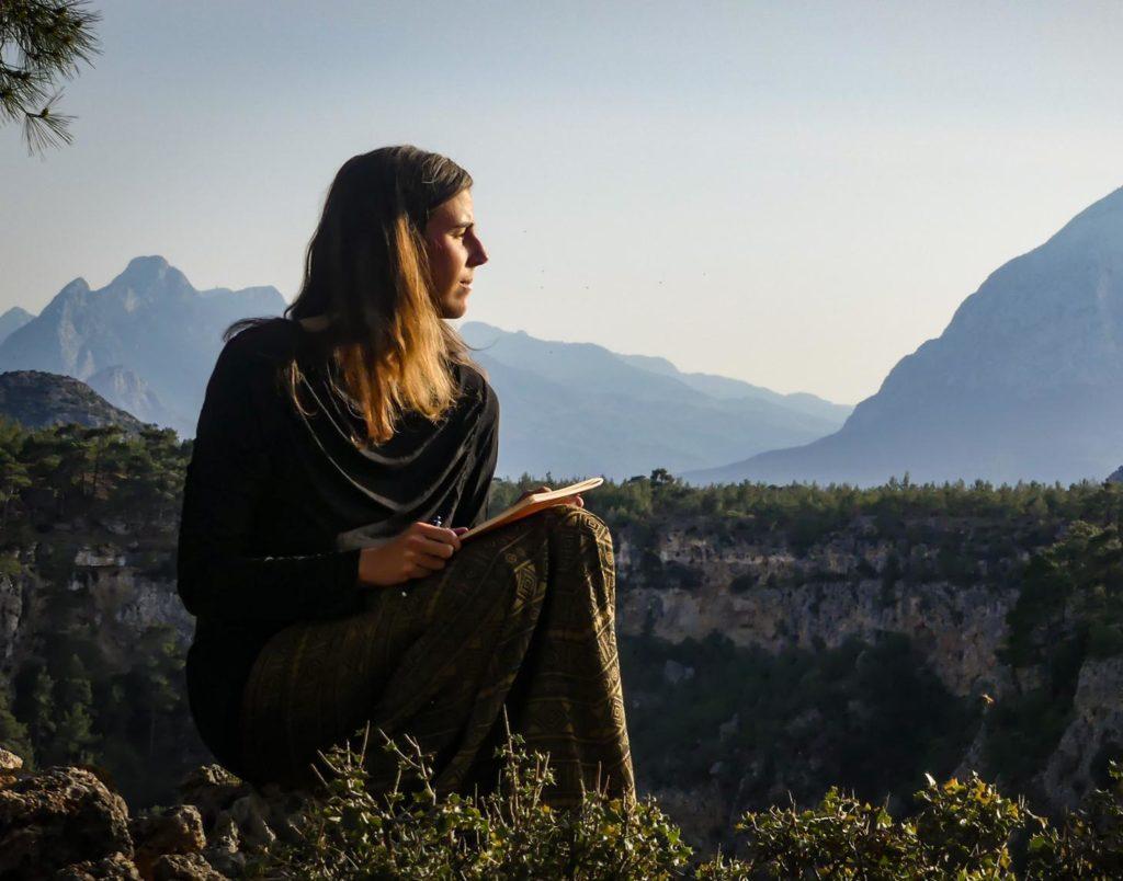 Développement personnel, voyage, écriture, spiritualité, rituels, temps pour soi, accompagnement, couple, amour, vie, choix de vie, amour de soi, vivre à son rythme